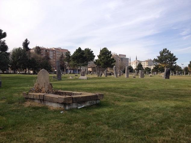 Seyid Burhanettin Mezarlığı